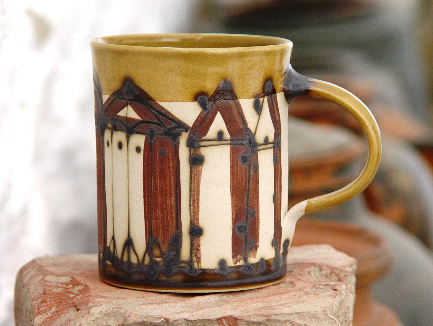 steinzeug keramik kaffeebecher mit handgemalten geb ude. Black Bedroom Furniture Sets. Home Design Ideas
