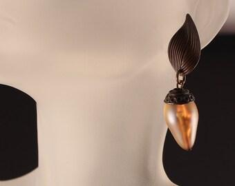 Kate Hines Vintage Irridescent Art Glass Tear Drop Dangle Earrings