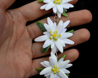 Edelweiss bridal gift - Polymer bracelet - White floral jewelry for women