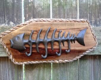 Reclaimed Wood Key Holder - Fish Hook Key Storage - Wall Key Hooks - Entryway Key Holder - Key Organizer - Key Chain Hooks - Key Ring Holder