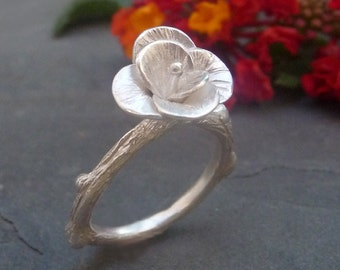 Tiny Flower Ring, Flower silver Ring, Handmade Flower Ring, Minimalist Jewelry, Handcrafted  ring, Wedding Flower ring, Silver Flower Ring