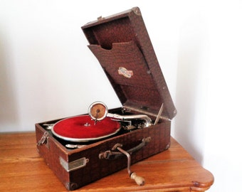 Antique Portable Gramophone, Phonograph, Talking Machine, Ultramar, Hand Crank Phonograph, Record Player, Turntable, Working