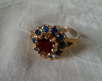 Costume ring, red and ble glass faux gemstones, adjustable size