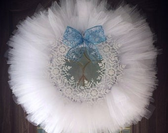 Winter Snowflake Tulle Wreath