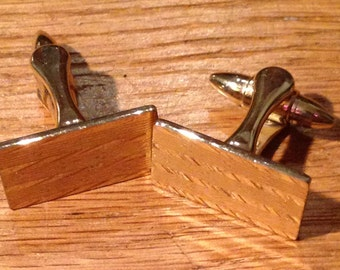 Vintage Gold Tone Cufflinks. Engraved Stripes & Spots Pattern. Very Good Condition.