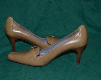 Vintage Anne Klein Iflex Beige High Heels Pointy Toe 6 1/2 M