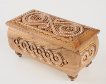 Wooden jewelry box Wooden box carved Handmade Small wooden box Wedding box carving Wood box Wooden crate Wooden chest Wedding gift for woman