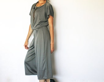 Cropped Wide Leg Pant in Grey - Stretch Culotte Pants