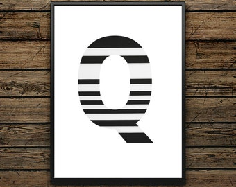 Premium Poster Q Letter - Scandinavian Style - Wall decoration - Typographic Design - Black and White Poster - ideal for Gift