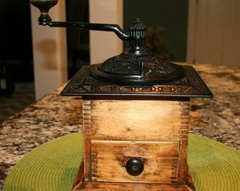 Antique Coffee Grinder//Decorative Cast Iron Top and Crank//Antique Coffee Grinder