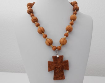 jasper and wood bead necklace