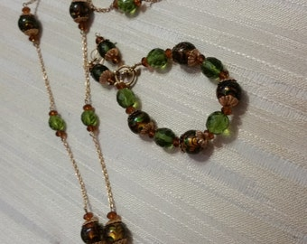 Green Crystals w/Swirl Glass Beads