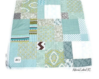 Blankie quilt for baby, turquoise, turquoise and white fleece backing