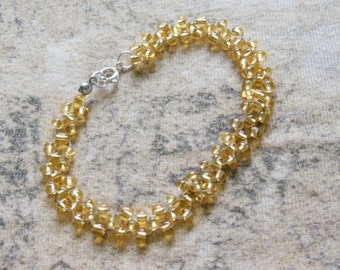 Gold glass beaded elastic bracelet