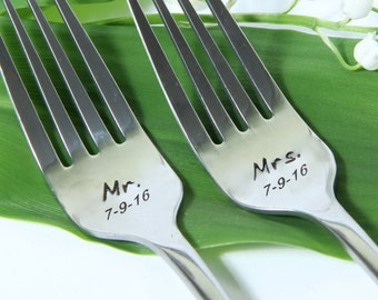 Wedding Mr. Mrs. Forks, Personalized Wedding Forks with Dates