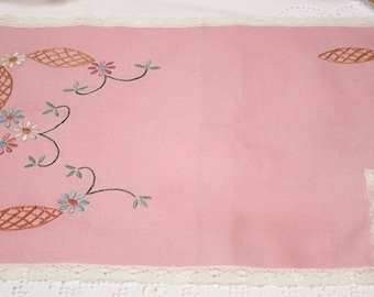 SALE....Pretty pink linen tablemat and napkin set.  One pink and lace embroidered place mat and matching serviette, a sweet gift