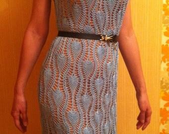 Вязаное крючком платье для женщины