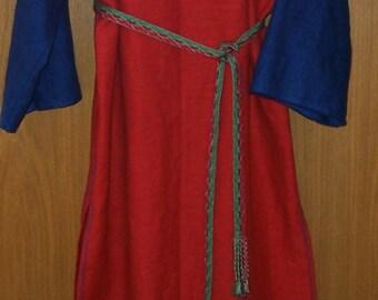 Linen dress, raiment, middle ages, LARP, Peplos