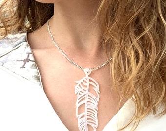 Necklace pen