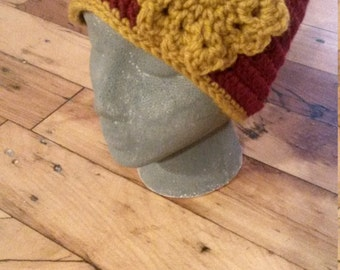 Crochet Hat with Flower - Gryffindor