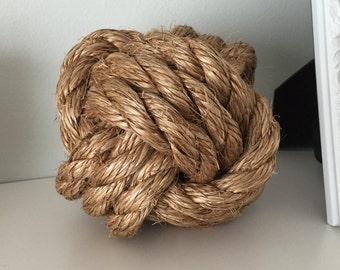 Monkey Fist Knot/Sailor's Knot