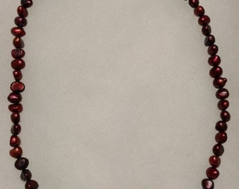 Red freshwater pearl vintage necklace