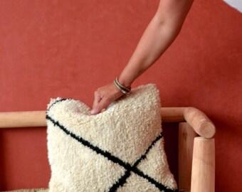 "White Moroccan cushion pillow, Decorative pillow, black and white pillow, sheep wool, beni ourain rug, 16""x16"", handmade, beni ourain pillow"