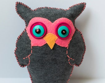 Handmade Felt Owl Plushie / Stuffed Plush Owl / Cute Owl Stuffed Animal