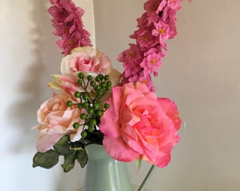 Blooming lovely Jug of Roses
