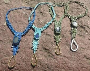 Barfusssandalen, schuhe, Hippie, semi precious stones, Sommer,  macrame, accessories, fake silber perlen, glass perlen, flipflops, anclet