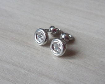 Cubic Zirconia Sterling Silver 6,5mm Circle Stud Earrings