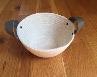 Small Rope Basket with Leather Handles