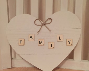 Family heart wooden plawue
