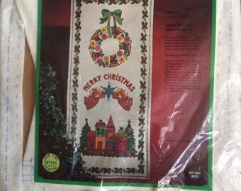 Vintage Paragon Needle Craft-The Christmas Collection-Merry Christmas Multi-Motived Wall Hanging Kit-Like new-Appliques, Embroidery