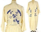 50s Silk Dragon Kimono / Vintage 1950s Creme Bohemian Duster with Tie Belt / Embroidered House Coat / Boho Ethnic Japanese Lounge Jacket
