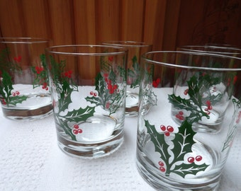 A 6 Set ofChristmas or Holiday Juice or Cocktail Glasses with Holly and Ivy Decor