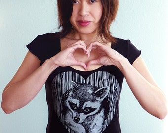 Raccoon Shirt, Woodgrain Heart Tshirt, Vegan Shirt, Wife Gift, Mothers Day Shirt - Thief of Hearts Women's Tshirt