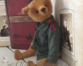 "8.5""  'ye Olde' Victory bear 5"