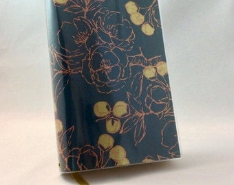 Paperback Book Cover - Reusable, Protective and Adjustable - Large Trade Size - Stylish Book Cover with Gold and Copper Metallic Design