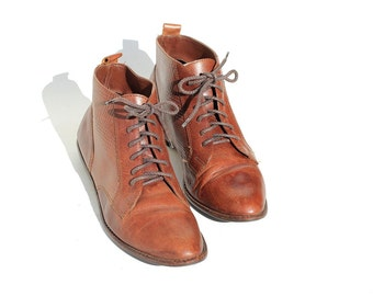 Size 8.5 Brown Leather Ankle Boot