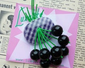 Summer Gingham! Handmade 1940s confetti lucite style novelty Oval black cherry brooch by Luxulite