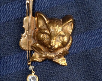 Vintage Cat and Fiddle Brooch Pin w Heart Dangle/ Nursery Rhyme Jewelry