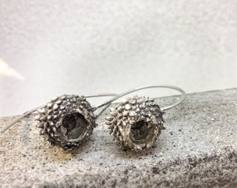Acorn earrings-Sterling silver earrings -Sterling silver acorn earrings -Dangle acorn earrings-Acorn jewelry-Nature cast earrings