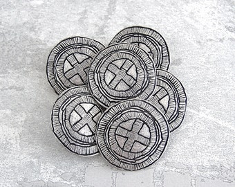 Medieval Cross Buttons, 25mm 1 inch - Etched Silver Tone Metal Heraldry Buttons - 8 NOS Silver Metal Reenactment Costume Shank Buttons MT13