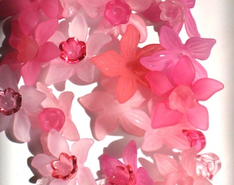 Acrylic Flower Beads 12 Daffodil Flower Beads Pink Mix and Match 27mm