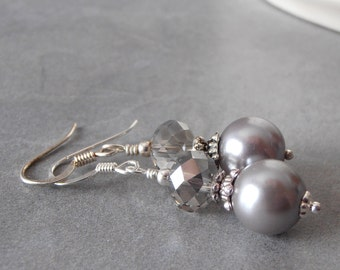 Gray Pearl Bridesmaid Earrings with Sparkly Grey Crystals in Silver Pearl Wedding Jewelry Sets Beaded Earings Handmade Bridal Party Gift