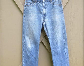 vintage Levi's 505 Distressed High Rise Faded Stone Wash Regular Fit Straight Leg Denim Jeans