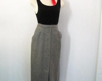 Vintage 50's Pencil Skirt, Gray Wool Straight Skirt w/Hip Pockets, Metal Zipper, Kick Pleat, College Town, Mid Century Classic, Waist 25