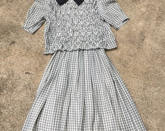 "1980s School Girl Dress - Black and White Dress - Silver Threads - Pintucked Bodice - Work to School to Church - Petite Up to 31"" Bust"