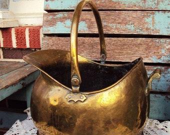 Vintage Brass and Copper Rivets Ash Bucket Scuttle Bucket Pot Cauldron Large Handle Bucket French Farmhouse Antique Home Decor Aged Patina